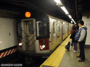 Al Qaeda suicide bombers could target New York City subways, federal security officials say.
